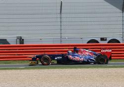 Jean-Eric Vergne, Scuderia Toro Rosso , puncture, tire exploded