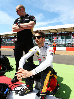 Romain Grosjean Lotus F1 Team on the grid