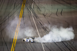 Race winner Jimmie Johnson, Hendrick Motorsports Chevrolet celebrates