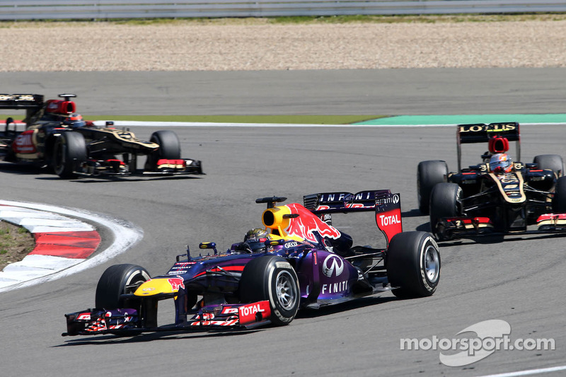 Sebastian Vettel, Red Bull Racing, Romain Grosjean, Lotus F1 Team
