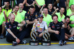 Race winner Sebastian Vettel, Red Bull Racing celebrates with Adrian Newey, Red Bull Racing Chief Technical Officer, Christian Horner, Red Bull Racing Team Principal and the team