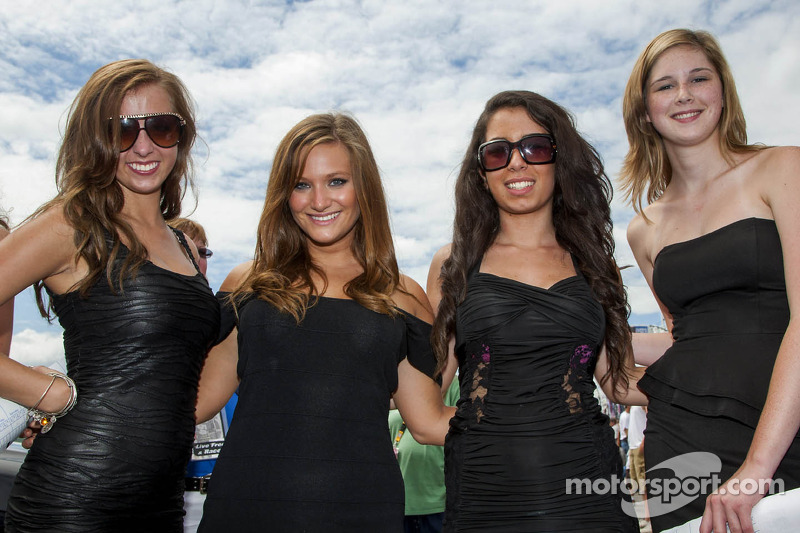 Lovely ladies on the grid