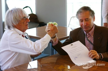 (L to R): Bernie Ecclestone, CEO Formula One Group, an Jean Todt, FIA President sign an agreement setting out a framework for the new Concorde Agreement