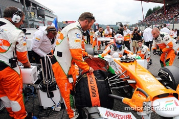 Paul di Resta, Sahara Force India on the grid