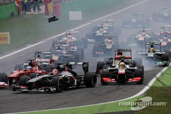 Start of the race, Sergio Perez, McLaren Mercedes