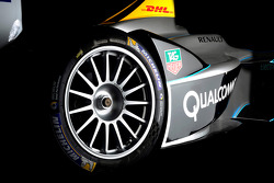 New Spark-Renault unveiled for 2014