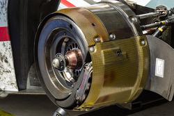 #2 Audi Sport Team Joest Audi R18 e-tron quattro disk brake detail