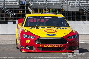 Joey Logano, Penske Racing Ford in trouble