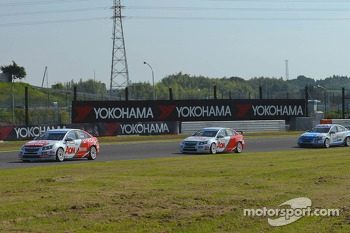 Yvan Muller, Chevrolet Cruze 1.6T, RML and Tom Chilton, Chevrolet Cruze 1.6 T, RML