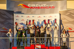 P2 podium: class winners Scott Tucker and Ryan Briscoe, second place Marino Franchitti and Guy Cosmo, third place Ed Brown and Johannes van Overbeek