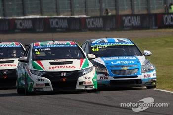 Gabriele Tarquini, Honda Civic, Honda Racing Team J.A.S.  and James Nash, Chevrolet Cruze 1.6 T, Bamboo Engineering