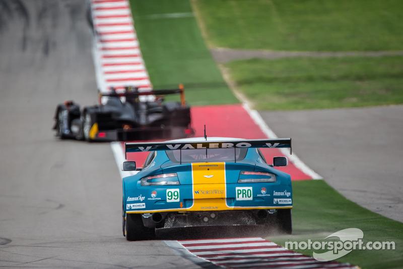 #99 Aston Martin Racing Aston Martin Vantage V8: Bruno Senna, Frédéric Makowiecki op Austin ...