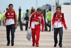 Pedro De La Rosa, Ferrari Development Driver, and Fernando Alonso, Ferrari