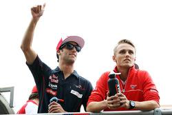 (L to R): Daniel Ricciardo, Scuderia Toro Rosso and Max Chilton, Marussia F1 Team on the drivers parade