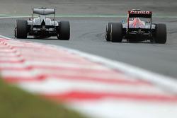 Nico Hulkenberg, Sauber F1 Team Formula One team and Daniel Ricciardo, Scuderia Toro Rosso