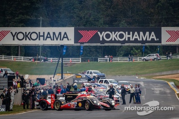 #12 Rebellion Racing Lola B12/60 Toyota: Nick Heidfeld, Neel Jani, Nicolas Prost leads the field to formation lap