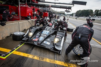 Pit stop for #551 Level 5 Motorsports HPD ARX-03b HPD: Scott Tucker, Ryan Briscoe, Marino Franchitti
