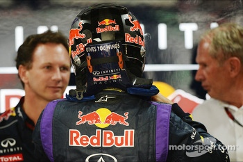 Sebastian Vettel, Red Bull Racing with Christian Horner, Red Bull Racing Team Principal, and Dr Helmut Marko, Red Bull Motorsport Consultant (Right)