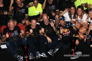 Race winner and World Champion Sebastian Vettel, Red Bull Racing celebrates with, Red Bull Motorsport Consultant; Adrian Newey, Red Bull Racing Chief Technical Officer; Christian Horner, Red Bull Racing Team Principal and the team