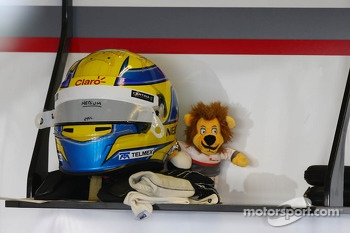 The helmet of Esteban Gutierrez, Sauber and mascot