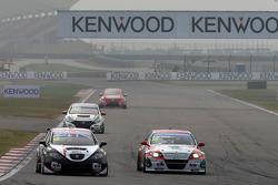 Tom Boardman, SEAT Leon WTCC,  Special Tuning Racing and Mehdi Bennani, BMW E90 320 TC, Proteam Racing