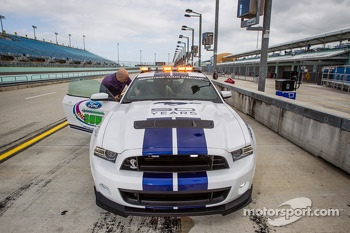 Pace car rides with Sam Hornish Jr.