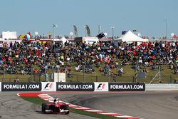 Fernando Alonso, Ferrari F138 runs wide