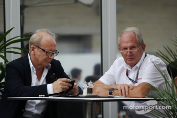 Dr Helmut Marko, Red Bull Motorsport Consultant (Right)