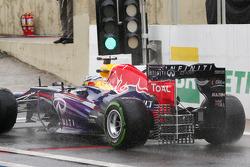 Sebastian Vettel, Red Bull Racing RB9 running sensor equipment on the rear wing