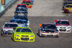 Paul Menard, Richard Childress Racing Chevrolet leads a group of cars back to track