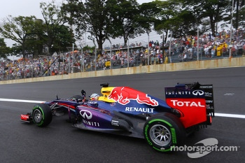 Sebastian Vettel, Red Bull Racing RB9 celebrates his pole position