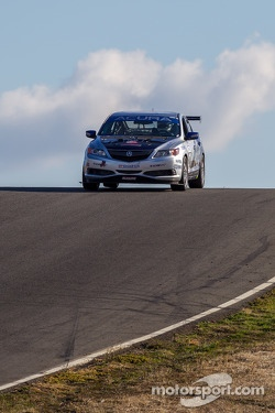 #27 Honda Research West 1 Acura ILX: Sage Marie, Scott Nicol, Lee Niffenegger, Matthew Staal, Michael Tsay