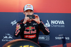 Daniil Kvyat, Scuderia Toro Rosso takes a photograph at the unveiling of the Scuderia Toro Rosso STR9
