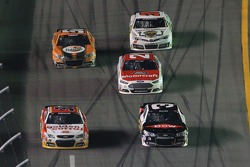 Austin Dillon, Richard Childress Racing Chevrolet leads a pack of cars