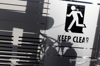 Pit sign: Keep Clear