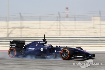 Valtteri Bottas, Williams FW36. locks up under braking