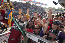 Race winner James Courtney, Holden Racing Team