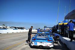 #18 Muehlner Motorsports America Porsche 911 GT America: Earl Bamber, Nico Verdonck, Norbert Siedler