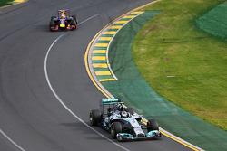 Nico Rosberg, Mercedes AMG F1 W05 leads Daniel Ricciardo, Red Bull Racing RB10