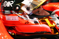 Jules Bianchi, Marussia F1 Team MR03 with a tribute to flight MH370 on his helmet