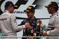 F1 Fotos - Podio: segundo lugar Nico Rosberg Mercedes AMG F1, ganador de la carrera Lewis Hamilton, Mercedes AMG F1 y tercer lugar Sebastian Vettel, Red Bull Racing
