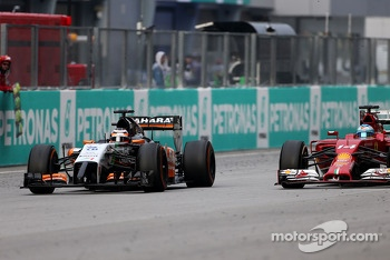 Nico Hulkenberg (GER), Sahara Force India and Fernando Alonso (ESP), Scuderia Ferrari  30