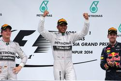 Nico Rosberg (GER), Mercedes AMG F1 Team, Lewis Hamilton (GBR), Mercedes AMG F1 Team and Sebastian Vettel (GER), Red Bull Racing  30