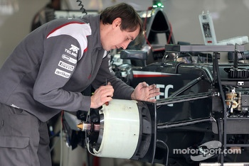 Sauber F1 Team mechanic