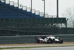 Trouble for #1 Audi Sport Team Joest Audi R18 e-tron quattro: Lucas di Grassi, Loic Duval, Tom Kristensen