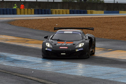 Spin for #7 DKR Engineering Mc Laren MP4/12C: Toni Manuel Samon, Laurent Cazenave