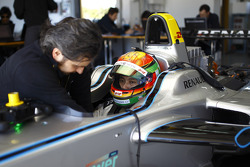 FORMULA-E: Ho-Pin Tung tests the Spark-Renault STR_01E