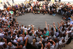 Race winner Lewis Hamilton, Mercedes AMG F1 and second placed Nico Rosberg, Mercedes AMG F1 celebrate with the team