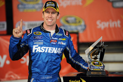 Polesitter Carl Edwards, Roush Fenway Racing Ford