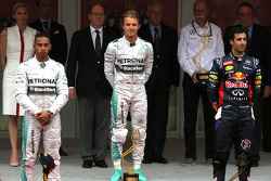 Nico Rosberg, Mercedes AMG F1 Team, Lewis Hamilton, Mercedes AMG F1 Team and Daniel Ricciardo, Red Bull Racing
